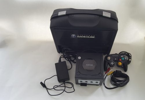 consola nintendo gamecube con accesorios y maletín